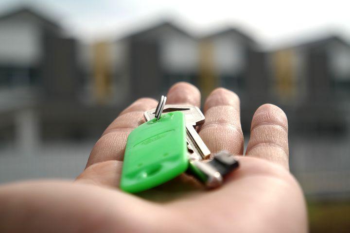 """מדוע רכישת דירה להשכרה בחו""""ל היא השקעה בטוחה?"""