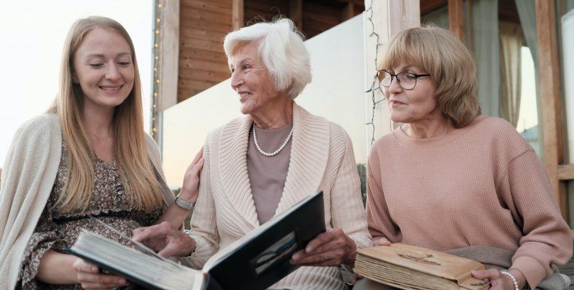 הנוסטלגיה המשפחתית במיטבה באמצעות הסיפורים המרתקים